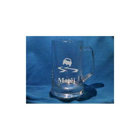 Dárkový pískovaný pivní pullitr se jménem a obrázkem